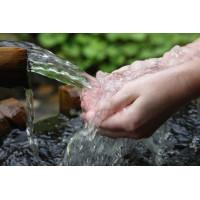 Родниковые воды: можно ли пить жидкость из родника, ее вред и польза для здоровья — свойства, состав и качество