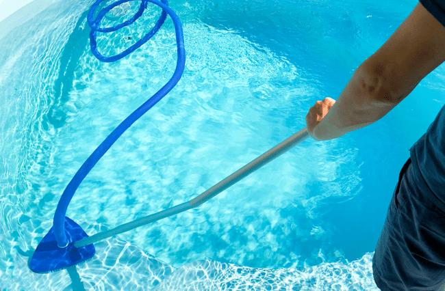 чем чистят воду в бассейнах