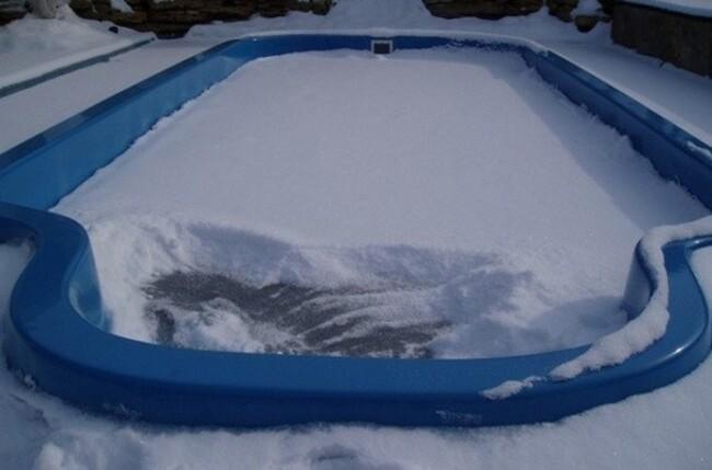 сливать ли воду из бассейна на зиму