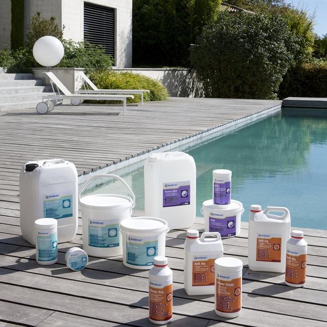 химия для очистки бассейна