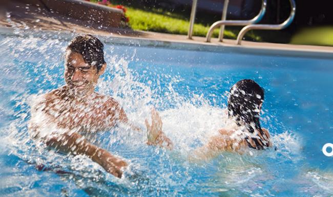 средство для очистки воды в бассейне