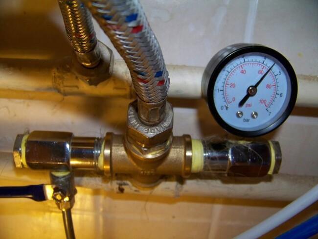 давление воды в водопроводном кране
