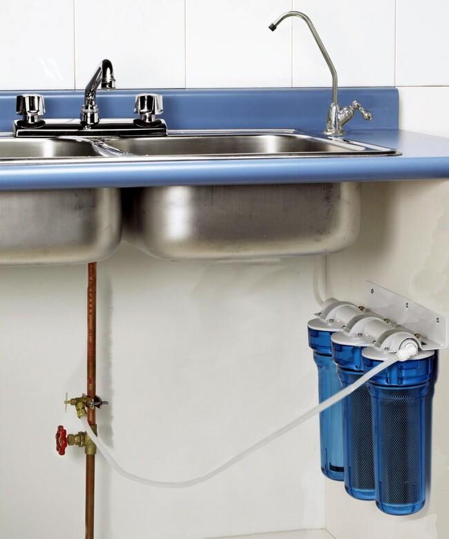 установить фильтр для очистки воды под мойку